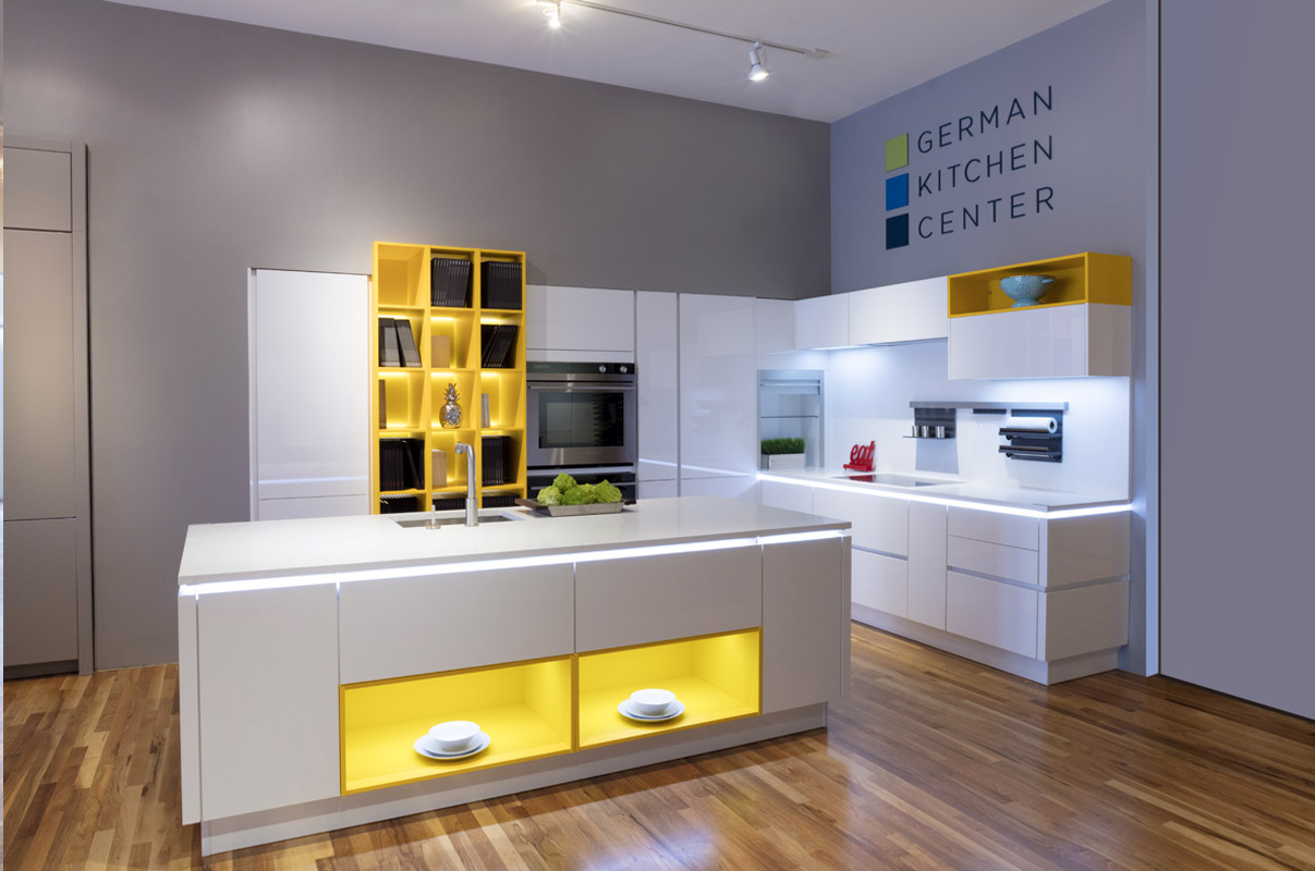 Modern kitchens showroom denver for Kitchen showrooms denver