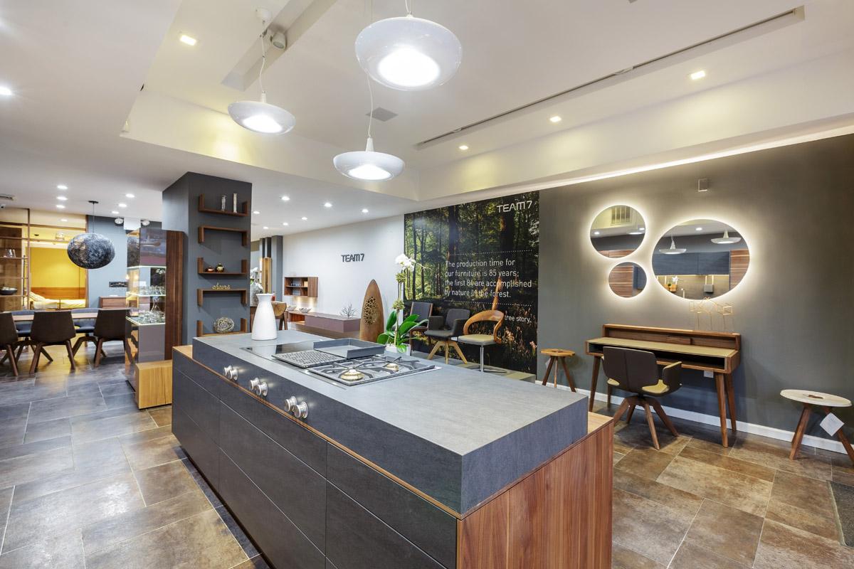 amusing kitchen showroom new york city   Modern Kitchens Showroom Broadway